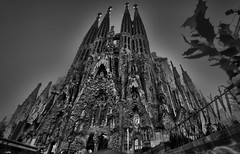 HDR_sagradafamfrontal