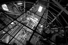 Hauptkirche Sankt Petri (lichtflow.de) Tags: bw canon licht hamburg kirche architektur sw sanktpetri eos5dmarkiii ef1635mmf40lisusm
