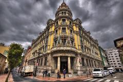 Edificio BBVA (jojesari) Tags: edificio asturias bbva fx oviedo hdr calles suso photomatix 1616 nikkor1635mmf4gedvrafs jojesari