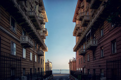 Il mare ... Mare Sea Sea And Sky Horizon Over Water Nsnfotografie Streetphotography Street Photography Walking Around The City  Genova Architecture Geometry Urban Landscape Colors (cyberdee) Tags: sea colors architecture mare geometry streetphotography genova urbanlandscape seaandsky walkingaroundthecity horizonoverwater nsnfotografie