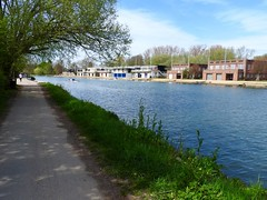 River Isis (heathernewman) Tags: uk england tree green water river bluesky oxford riverthames oxfordshire towpath boathouses riverisis