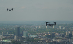 Osprey Helicopters over London, May 2016 (roger.w800) Tags: london helicopter boeing centrallondon flypast militaryhelicopter ospreyhelicopter theshard boeingv22 viewoverlondon boeinghelicopter viewacrosslondon theviewfromtheshard