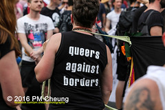 X*CSD 2016 - Yalla auf die Strae! Queer bleibt radikal! / Yalla to the streets  queer stays radical!  25.06.2016  Berlin - IMG_5378 (PM Cheung) Tags: kreuzberg refugees parade demonstration queer polizei so36 csd neuklln 2016 christopherstreetday ausbeutung heinrichplatz flchtlinge rassismus sexismus homophobie xcsd diskriminierung oranienplatz transgenialercsd csdberlin m99 heteronormativitt tcsd berlincsd lgbtqi gentrifizierung oplatz pmcheung csdkreuzberg pomengcheung sdblock facebookcompmcheungphotography gerharthauptmannrealschule transgendern eincsdinkreuzberg mengcheungpo friedel54 yallaaufdiestrasequeerbleibtradikal kreuzbergercsd2016 yallatothestreetsqueerstaysradical christopherstreetday2016 euro2016fussballem 25062016
