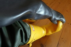 Well Protected! (essex_mud_explorer) Tags: yellow boots rubber gloves wellington hunter wellingtonboots rubbergloves welly wellies rubberboots rainwear gummistiefel wellingtons waterproof gumboots rainboots gauntlets rubberlaarzen hunterboots me107 marigoldemperor