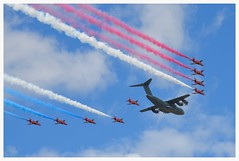 Red Arrows with RAF Airbus A-400 flypast Farnborough 2016 (Ciaranchef's photography.) Tags: flying airplanes airshow warbirds redarrows vintageaircraft formationflying vintageaeroplanes airbusa400m d7000nikon nikon18300mmf3556gedvr displayflyingflying preservedaeroplanes farnborough2016