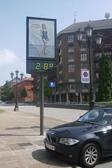 08-07-2016 023 (Jusotil_1943) Tags: 08072016 termometro temperatura oviedo bmw bao traje 28 numeros