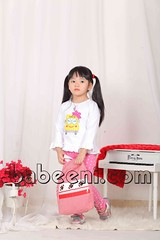 Schoolbus applique girl T-shirt (babeeniclothing) Tags: applique holiday thanksgiving school girl boy children cute beautiful beauty nice love