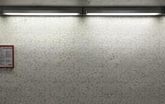Hausordnung (IamBen.) Tags: kln kvb wand neonlampe raster fliesen slabystrase unterfhrung