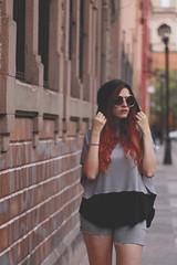 (wennlauper) Tags: ginger pelirroja model sunglasses glasses woman she girl fashion nicenoodles