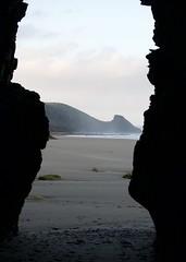 Newgale (@AnnerleyJphotos) Tags: pembrokeshire sirbenfro wales uk coast nationalpark beach newgale sonya7 cave frame sillhouette annerleyjohnson annerleyjphotos