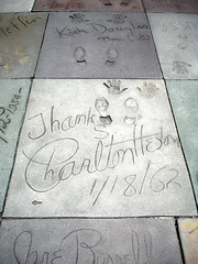 Charlton Heston - Hollywood (lukedrich_photography) Tags: sony dscw55 sonydscw55 hdr us usa northamerica america unitedstatesofamerica unitedstates  vereinigtestaaten    estadosunidos tatsunis   californie    california southerncalifornia hollywood chinese theatre graumans manns walkoffame cinema palace historic sidgrauman losangeles cultural monument hollywoodboulevard charltonheston actor movie handprint footprint