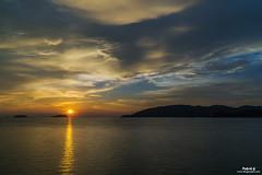 Kota Kinabalu Sunset (Pakcik G) Tags: pakcikg blogsempoi uncleg sunsetorange kotakinabalu sabah malaysia landscape seascape cloud new cloudy sea water windy
