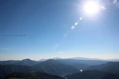 Vistas desde el Santuari de la Mare de Du del Far  Sant Mart Sacalm (Susqueda, Girona) (Ana Lpez Heredia) Tags: analpezheredia canoneos600d canon eos 600d tamron18270mmf3563diiivcpzd tamron santmartsacalm susqueda girona santuaridelamarededudelfar marededudelfar santuario santuari catalua catalunya mirador sol sun flares flare cielo sky montaa montaas cumbres azul landscape paisaje nube