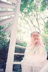 SDF_1148 (SendoFu) Tags: 格林 攝影基地 婚紗 外拍 主題 羊 羅姆尼 bonnet ボンネット エプロン風スカート blouse bl ブラウス headbow kc カチューシャ bnt 蕾絲 維多利亞 jsk op onepiecedress ワンピース jumperskirt ジャンパースカート nop lolita lolitafashion 蘿莉塔 蘿莉塔時裝 ロリータ・ファッション sweetlolita classicallolita