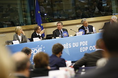 Marielle de Sarnez, Guy Verhofstadt, Franois Bayrou, Francesco Rutelli (PDE-EDP) Tags: guy logo fb marielle rond rutelli verhofstadt banderolle bayrou sarnez
