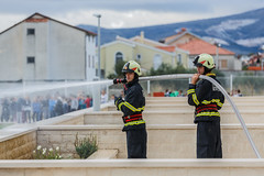 "Kastel Novi, 191114. U osnovnoj skoli Bijaci odrzana je Vatrogasna vjezba evakuacije ucenika. • <a style=""font-size:0.8em;"" href=""http://www.flickr.com/photos/28612762@N03/15656902187/"" target=""_blank"">View on Flickr</a>"