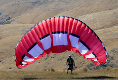 Anglų lietuvių žodynas. Žodis aerodynamic force reiškia aerodinaminė jėga lietuviškai.