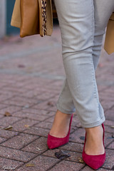 grey sweater, grey denim, trench coat-5.jpg (LyddieGal) Tags: red fall fashion fur grey sweater outfit tan gap style trench leopard denim wardrobe londonfog thrifted coloreddenim weekendstyle danielwellington