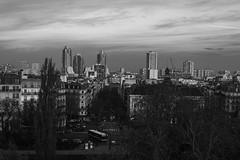 DSC_7385 (arnauddjf) Tags: paris building ciel nuage arbre parc ville matin chaumont buttes 19éme