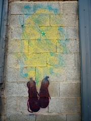 partir en fume (M,VAL) Tags: street cloud wall stencil autoportrait nuage mur flou pochoir chaussure parpaing vaporation solovair partirenfume