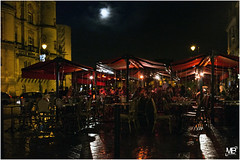 St Germain face au chateau LM 1001850 (mich53 - Thanks for 2300000 Views!) Tags: street urban moon france wet caf lune ledefrance place pluie bynight explore rue chteau ville saintgermainenlaye urbain 2015 summiluxm35mmf14asph leicamtype240