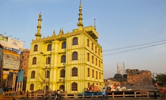 Kolkata (A Kamal Khan) Tags: street city people india asia traffic joy mosque kolkata bengal calcutta howrah