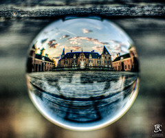 Castle in a Sphere, (Tristan Roebersen) Tags: wood old bridge reflection building castle glass tristan canon t eos cool nice crystal stones vet chilling sphere land bol epic chill brigde goed kasteel twickel landgoed 1200d roebersen troebersentristanroebersen