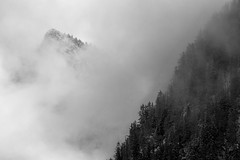 """Lorsque le vent souffle dans le Chablais (Isat"""") Tags: mountain nature montagne landscape noiretblanc nuage moutains"""