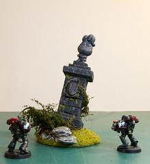 Statue for Warhammer Fantasy Battle (Anxious Silence) Tags: fantasy miniature model modelmaking ruin scenery spacemarine statue wargaming warhammer
