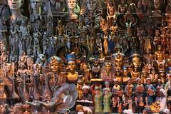 Souvenir d'talage souvenirs (Pi-F) Tags: souvenir boutique souk egypte tourisme pharaon touriste virine