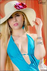 At the pool (Tabar Neira) Tags: portrait pool girl beautiful beauty hat pretty chica retrato bikini sombrero tabare valaingaur