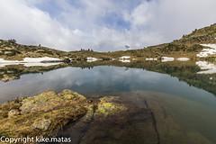 Estany Esbalat, Principat d'Andorra (kike.matas) Tags: canoneos6d kikematas canonef1635f28liiusm estanyesbalat arcalis lago andorra andorre principatdandorra pirineos paisaje montaas agua reflejos rocas nieve nature nubes canon lightroom4
