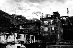 msp2016-211 (Hvandiez) Tags: street city urban white black monochrome photography downtown cityscape neighborhood hills slums