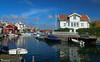 Grundsund (Tomas Öhberg) Tags: grundsund house hus sund strait boats båtar sommar sverige sweden västkusten west coast bohuslän polarizer polarizing filter