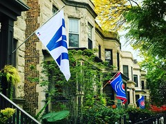 #FlyTheW! (southportcorridorchicago) Tags: instagramapp square squareformat iphoneography uploaded:by=instagram clarendon cubs southportcorridor lakeview chicagocubs worldseries chicago wrigleyville southport wrigley wrigleyfield fall