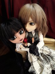 Eres mia? - Lovers (Lunalila1) Tags: doll groove junplaning pullip handmade outfit taeyang filato ivan kovalsky catwoman gabriela gabrielle lobato