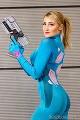 Zero Suit Samus (dgwphotography) Tags: comicconn nycc nycc2016 cosplay nikond600 nikoncls playmate hollywolf samus zerosuitsamus
