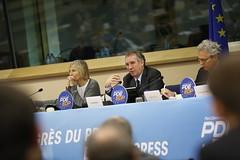 Marielle de Sarnez (FR) & Franois Bayrou (PDE-EDP) Tags: logo fb marielle rond bayrou sarnez