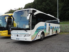 DSCN9116 Li-nea SPA, Scandicci DM-078GL (Skillsbus) Tags: italy france buses mercedes coaches linea lourdes tourismo