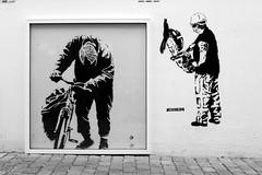 P1030918 (motveggen) Tags: streetart stencil mann bergen gatekunst menneske kider streetartbergen motveggen