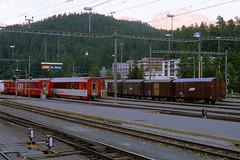 R11572.  RhB stock at St. Moritz. 16th August, 2001. (Ron Fisher) Tags: schweiz switzerland suisse transport rail railway publictransport narrowgauge stmoritz rhb graubünden rhätischebahn schmalspurbahn metregauge voieetroite