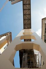(Bonny van Straten) Tags: summer color building portugal nikon lift lisboa lisbon elevator streetphotography september zomer lissabon elevado kleur 2014 d300 straatfotografie nikond300