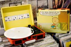 crosley peanuts (Hungry Ear Records) Tags: hawaii vinyl peanuts honolulu charliebrown recordstore limitededition cruiser rsd crosley hungryear