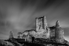 Of ruins and ghosts (B.B.H.70) Tags: fuentidueñadetajo comunidaddemadrid españa spain castillo castle ruinas ruins blancoynegro blackandwhite bw black white long exposure nubes clouds canon fantasma ghost light dark sombras luces nocturna night photography