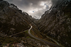 Desfiladeros de La India (ASTURIES) (Jonatan Alonso) Tags: tormenta montaña sotres picosdeeuropa tielve duje barrancadadelaprovidencia desfiladerosdelaindia