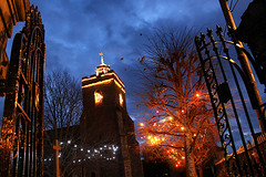 St Mary's Churchyard (cazphoto.co.uk) Tags: christmas dusk christmaslights wivenhoe canoneos100d canon18135mmeff3556isstm