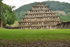 DSC_0042 (World Drifter) Tags: latinamerica america mexico pyramids veracruz cultura pirmides tajn archeologicalsite ancientworld ancientcultures totonaca sitioarqueolgico