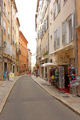 France-002838 - Side Street Stores (archer10 (Dennis) (66M Views)) Tags: france church fountain museum grasse factory perfume sony free dennis jarvis lafrance fragonard globus iamcanadian freepicture dennisjarvis archer10 dennisgjarvis nex7 18200diiiivc