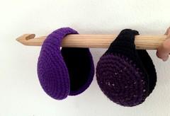 orejeras en morados (Mamipaula y Pipocass Handmade) Tags: wool handmade earmuffs giftideas earwarmers orejeras winteraccesories pipocasshandmade unisexearmuffs