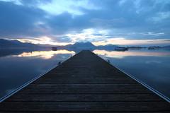 IMG_1548 (Sono Davide) Tags: lago alba blu riflessi pontile
